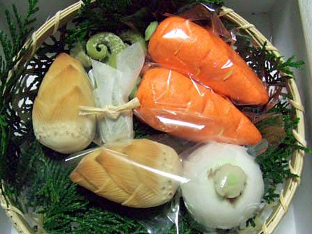 福寿堂秀信春の野菜籠