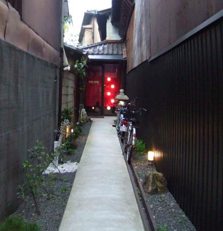 京都祇園のカフェオパール