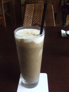 『JAPANESE CAFE 翠』のほうじ茶スムージー